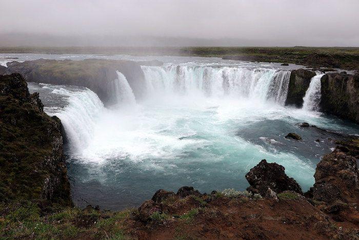 天然温泉もあり!火山活動が活発なアイスランド北部