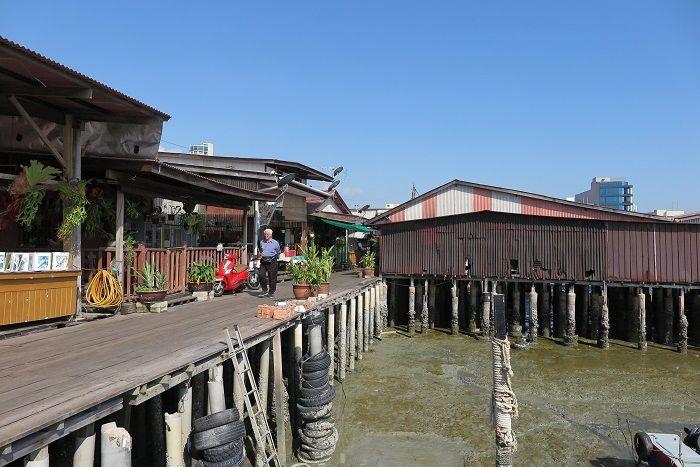 桟橋に作られた水上住宅