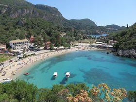 旧市街散策と透明度抜群の海が魅力!ギリシャ「コルフ島」