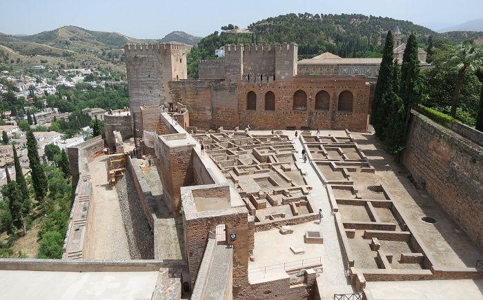 イベリア半島最後のイスラム王朝の都「グラナダ」