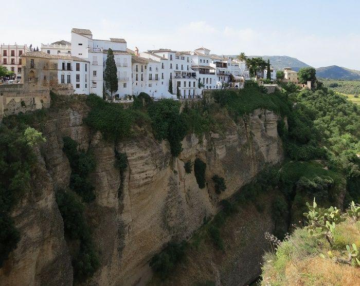 断崖の上に築かれた絶景の町「ロンダ」