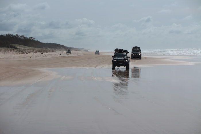 果てしなく続くビーチをドライブ!