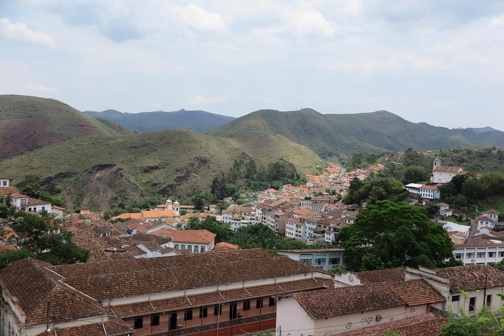山間に佇む世界遺産の町「オウロ・プレト」