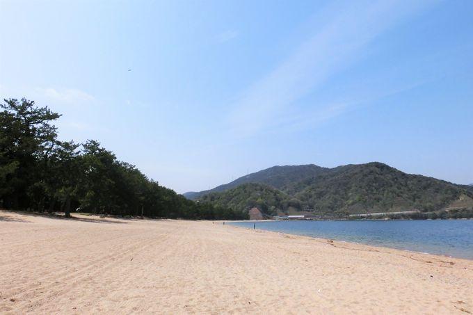 """白砂青松の景観・夏には海水浴場、""""とうろう流しと大花火大会""""も"""