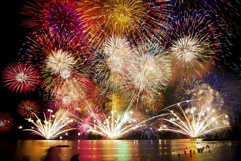 福井・敦賀「気比の松原」とうろう流しと大花火のコラボレーション!