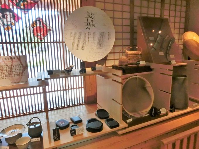 """""""土佐打刃物""""や""""土佐硯""""など伝統工芸品の展示"""