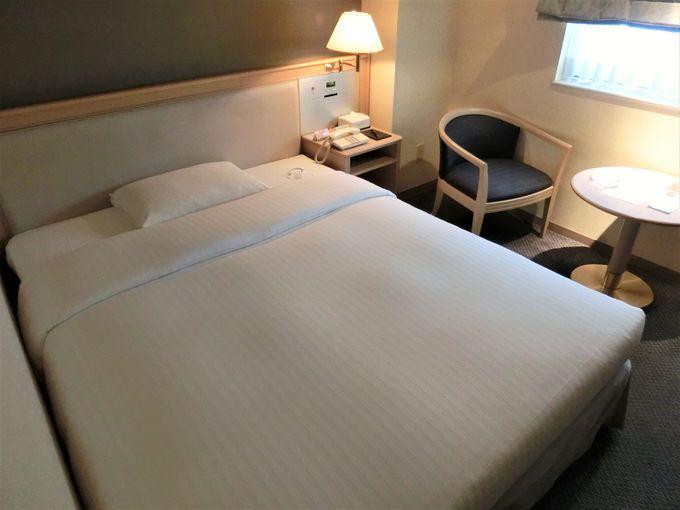 大きなベッドでゆったり快適空間