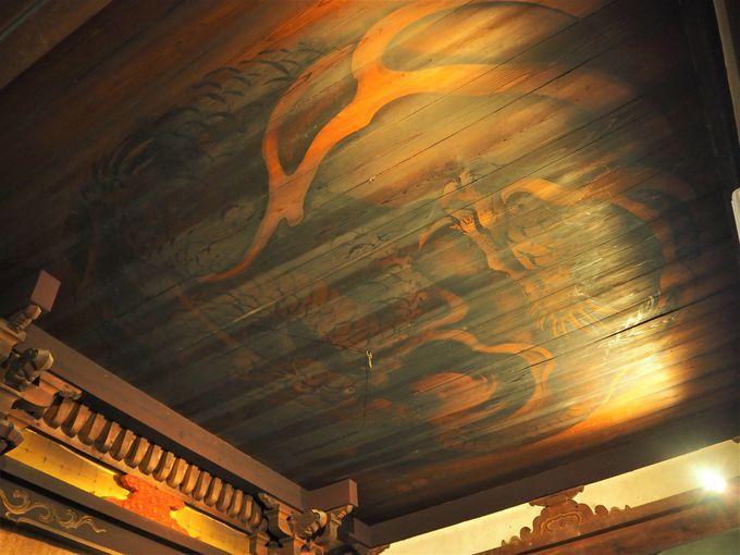 天井に描かれた龍の伝説