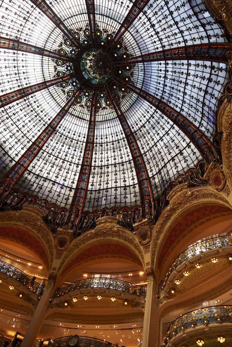 パリの買い物は何でも揃う「ギャラリーラファイエット」で!