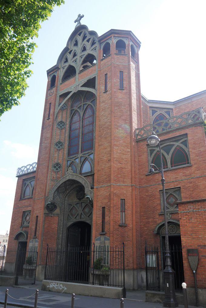 ユニークなデザインのサン ジャン ド モンマルトル教会