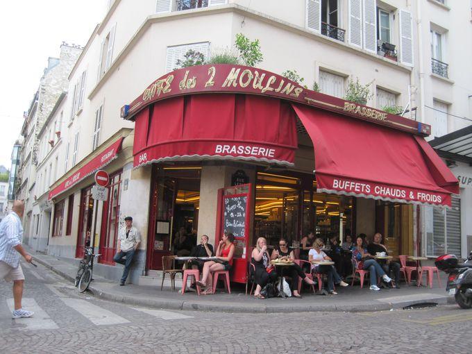 モンマルトルと言えばやっぱりここ!「カフェ デ ドゥ ムーラン」