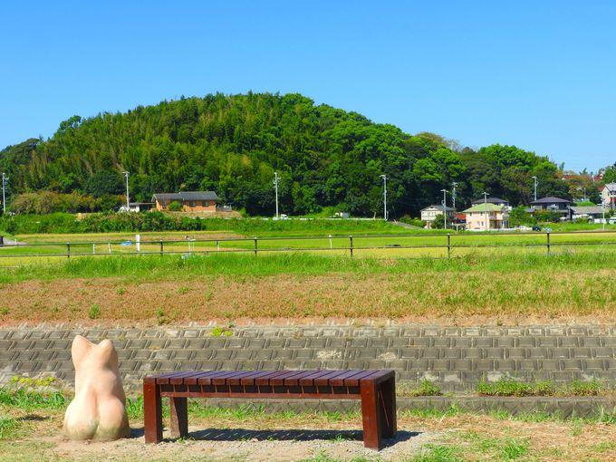 矢勝川と周辺のモニュメント