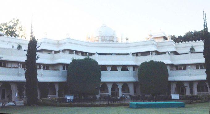 快適な気候のビジネス・リゾートホテル