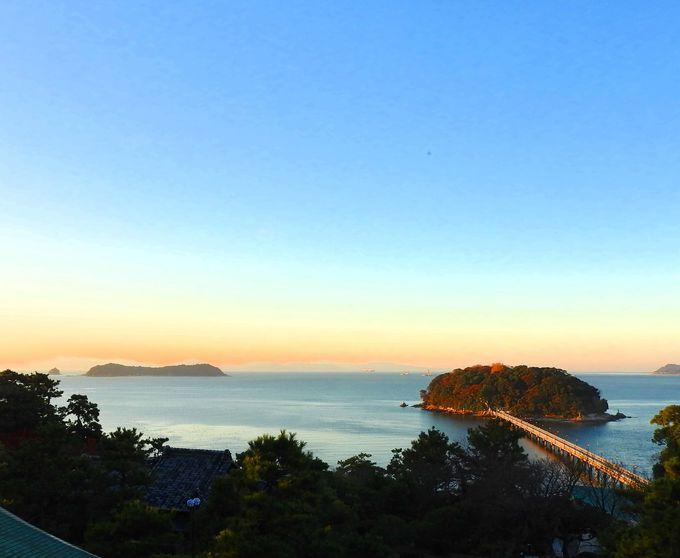 三河湾にボッカリ浮かぶ竹島