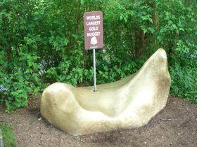 アラスカクルーズ、ケチカン川の自然満喫と「巨大金塊」探し!