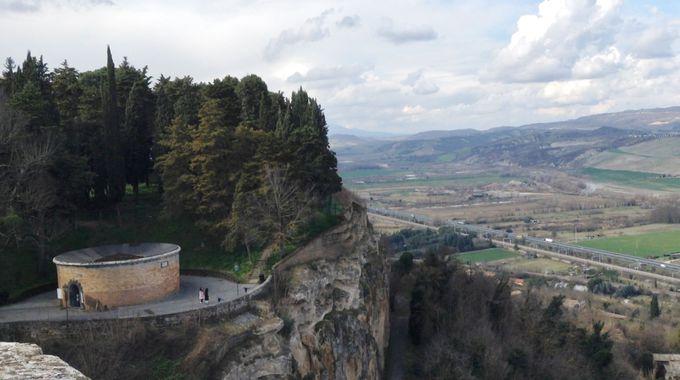 やっぱり巨大なサン・パトリツィオの井戸