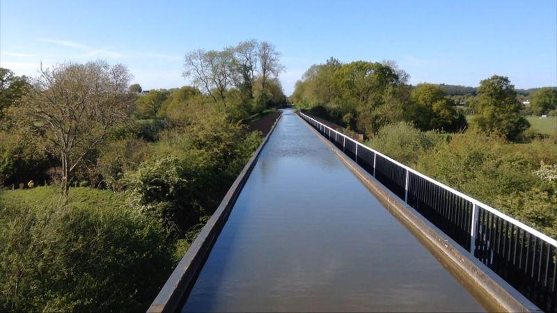 英国運河ナローボートの旅は体験とお楽しみ満載!