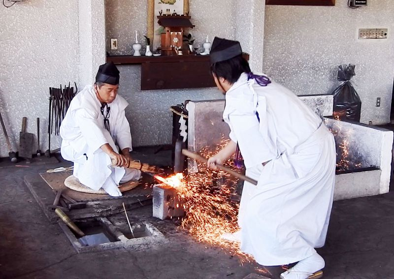 関鍛冶伝承館の日本刀鍛錬は必見!岐阜関市に響くつち音