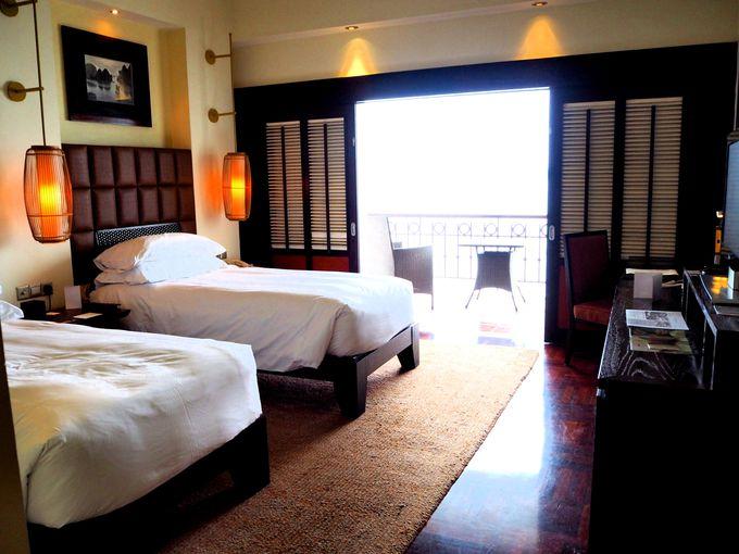 天上が高い部屋と広いベランダはアジアのリゾート感がタップリ