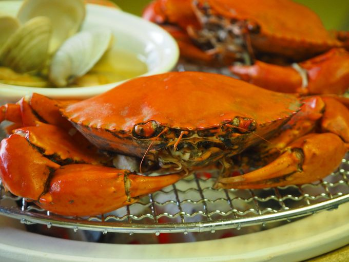 新鮮な浜名湖の食材をどうまん蟹と共に