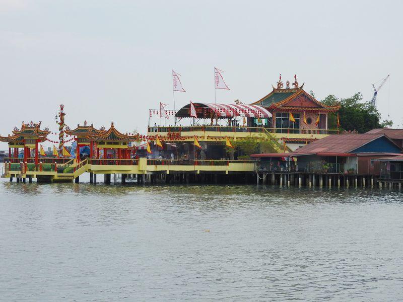ペナン島の水上生活者村「クラン・ジェティ」の見どころはここ!
