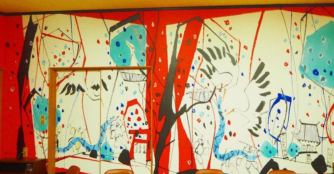 ダイナミックに伝説に命を吹き込む、梶山立志氏の壁画