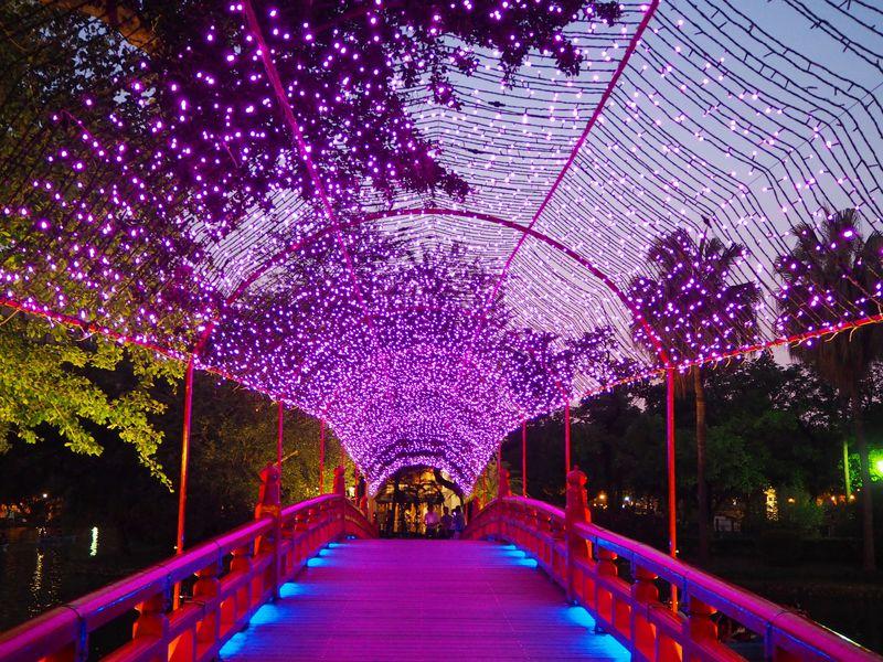 夜景も優雅!台中公園