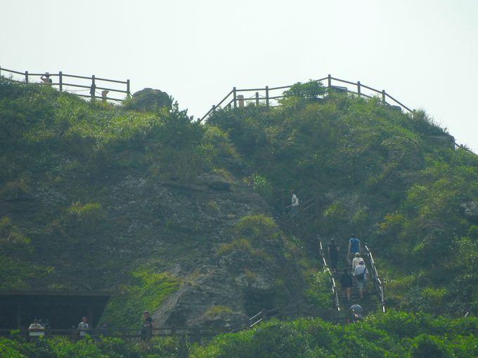 山頂の展望デッキはまるで絶景劇場!