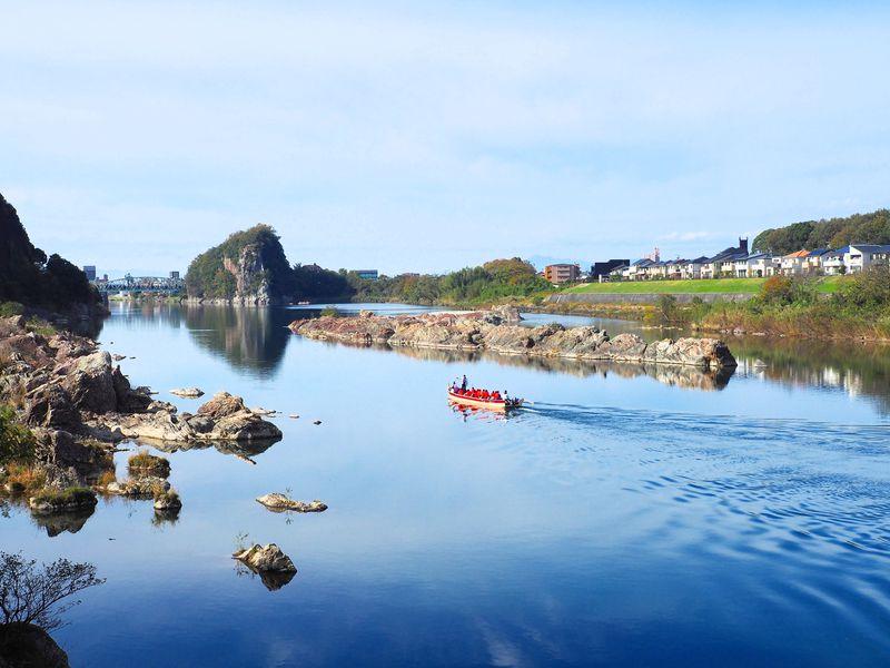 犬山城と鵜沼城址が借景!清流木曽川と不老滝散策を満喫しよう