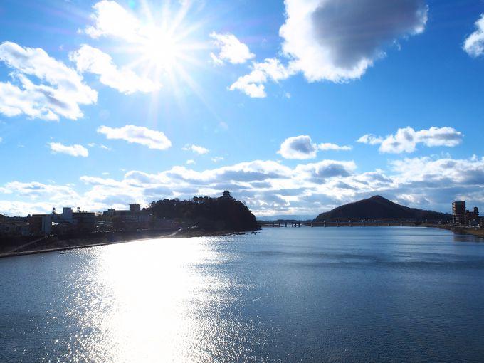 まず犬山城の全景を犬山橋から眺めよう!