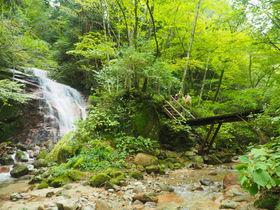 小説『宮本武蔵』にも登場!岐阜・馬籠峠の男滝と女滝で一休み