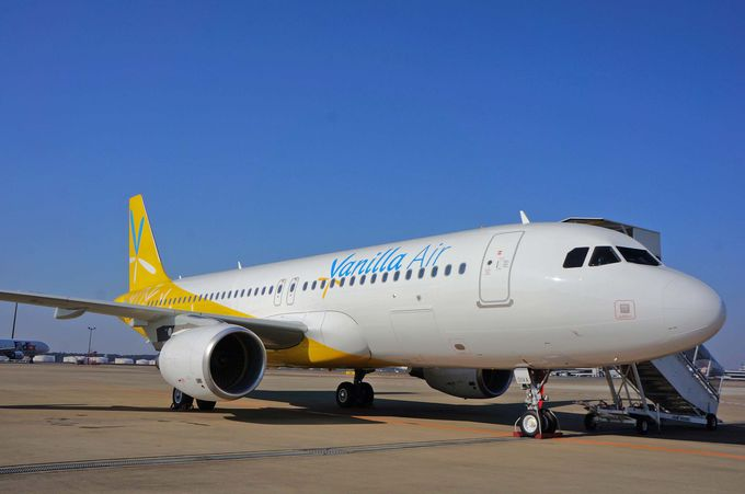 バニラの花をかたどったロゴデザイン、リゾート感ある機体に乗る!