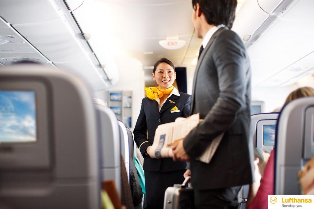 2.スムースなチェックインや高い定時運航率。日本人CAも搭乗し幅広い客層から人気