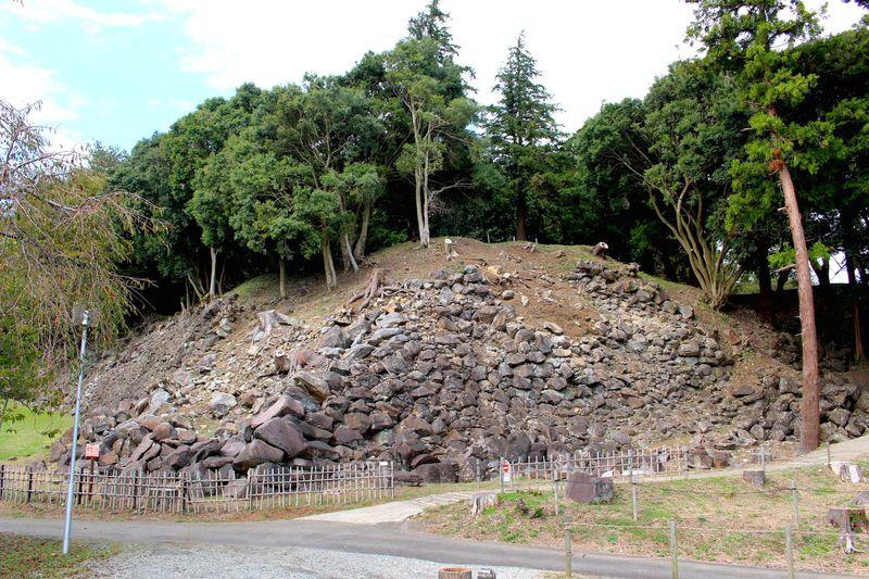 続日本100名城に選定!秀吉の天下統一を叶えた小田原「史跡石垣山」