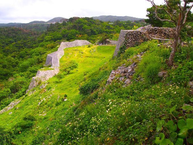 信仰の聖地と美しい城壁「今帰仁(なきじん)城」