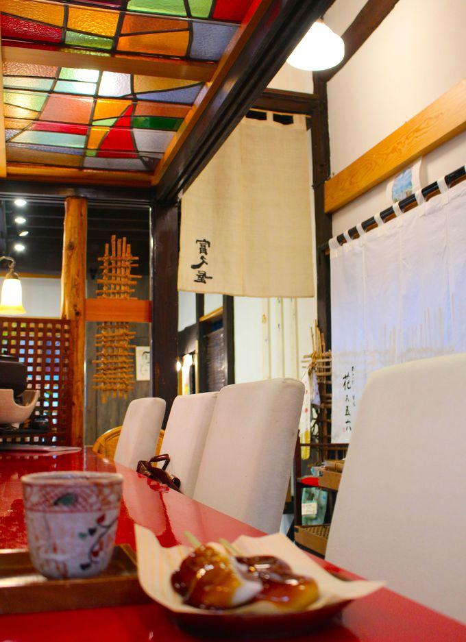 和菓子で心満たす時を本店・春秋庵のカウンターカフェで