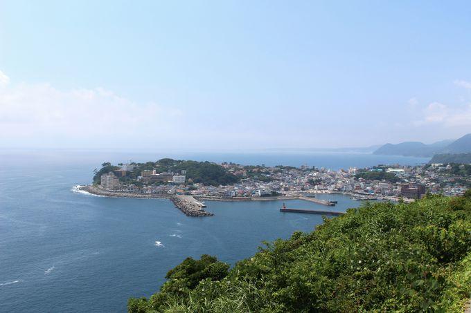 稲取岬越しに見える海岸線がたまらない!
