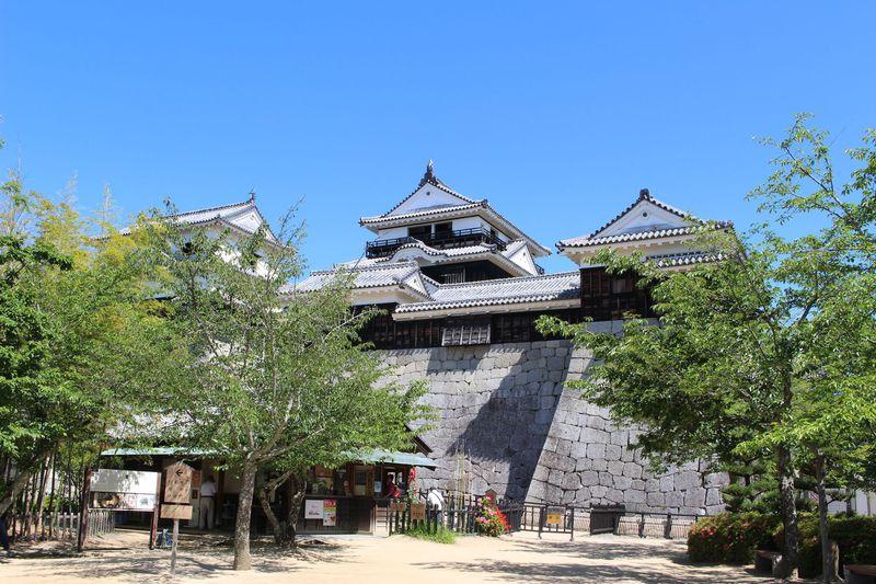 サムライたちの摩天楼!愛媛の人気スポット「松山城」を120パーセント楽しもう