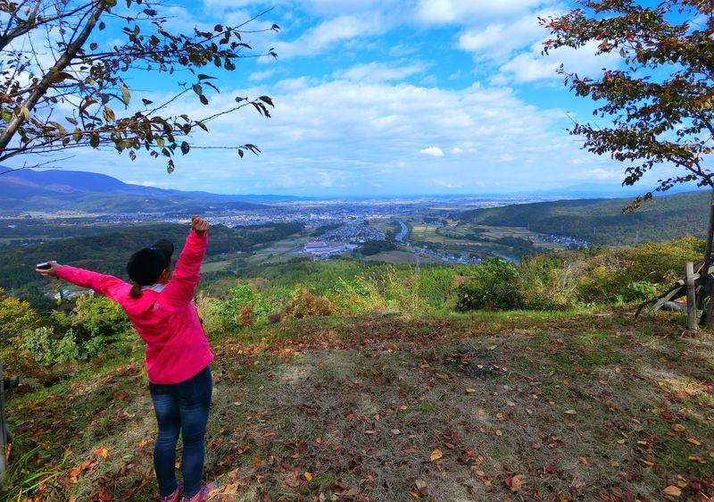 妙高市「鳥坂城」身体を動かし歴史の息吹を感じる山城ハイキング