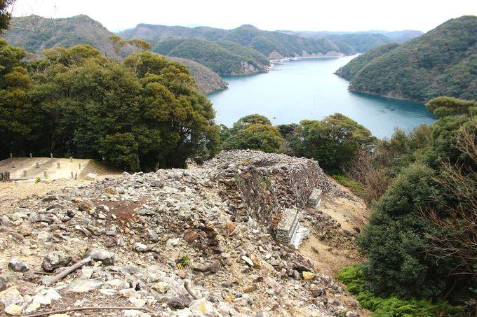1.約1350年前に国をあげて築かれた「金田城」