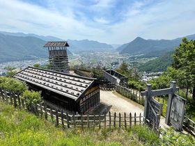 長野県「荒砥城」は戦国時代の山城を体験できる復元された史跡