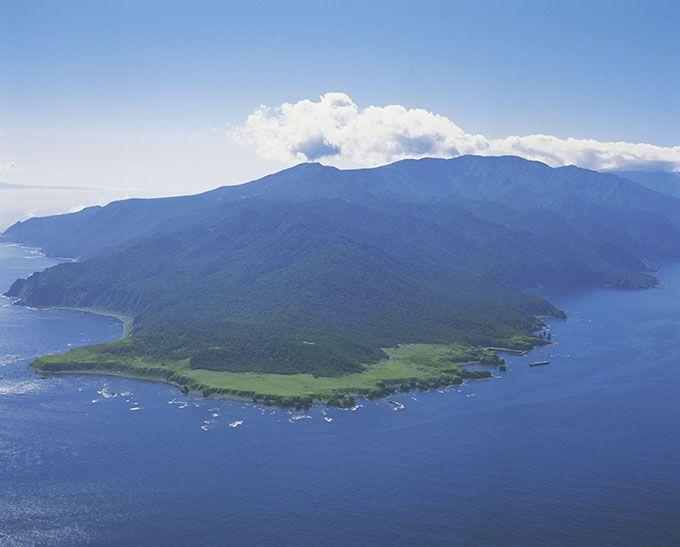 草原の広がる緑の光景・知床岬はまるでゴルフ場!?