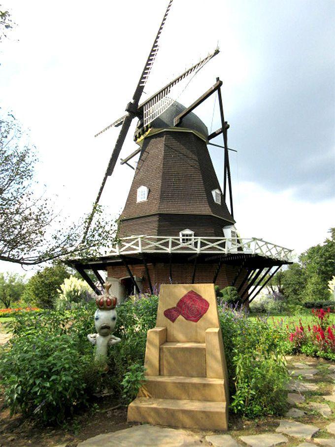 3デンマークの風景を写真に収めたいならここ!「メルヘンの丘ゾーン」風車と花壇
