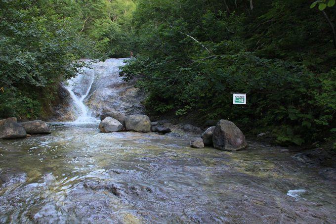 沢登りの領域!十分に気をつけたい「カムイワッカ湯の滝」