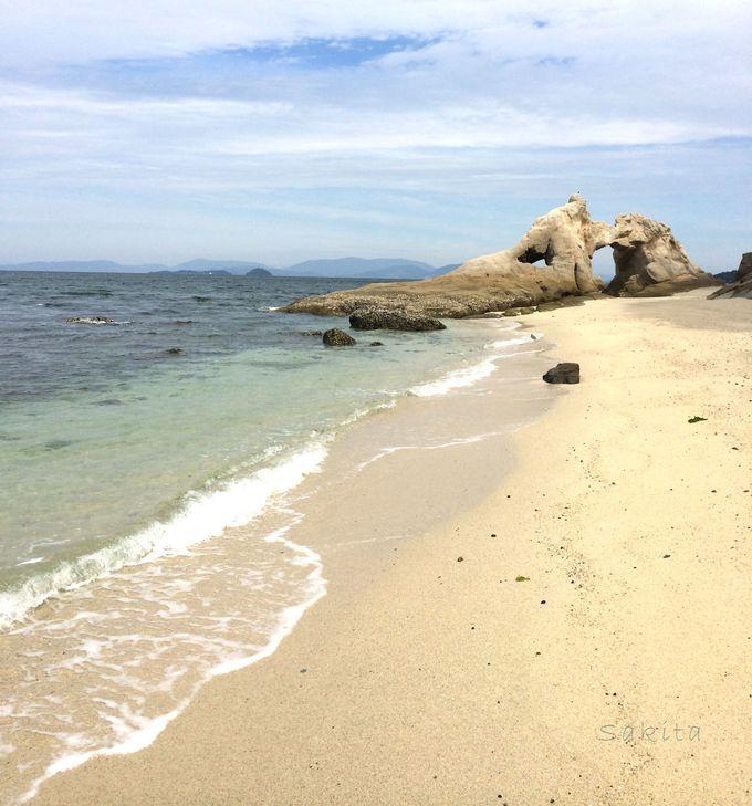 周遊船からだけ見られる!島の隠された神々しさ「水晶ヶ浜」