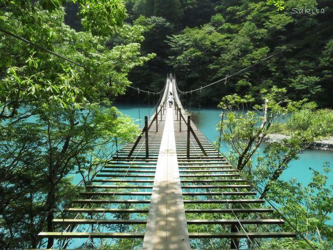 寸又峡夢の吊り橋から約1時間!奥大井湖上駅の駐車場とは