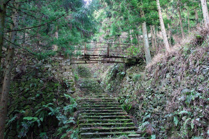 ここもマチュピチュ、まるで古代遺跡の鹿森社宅跡