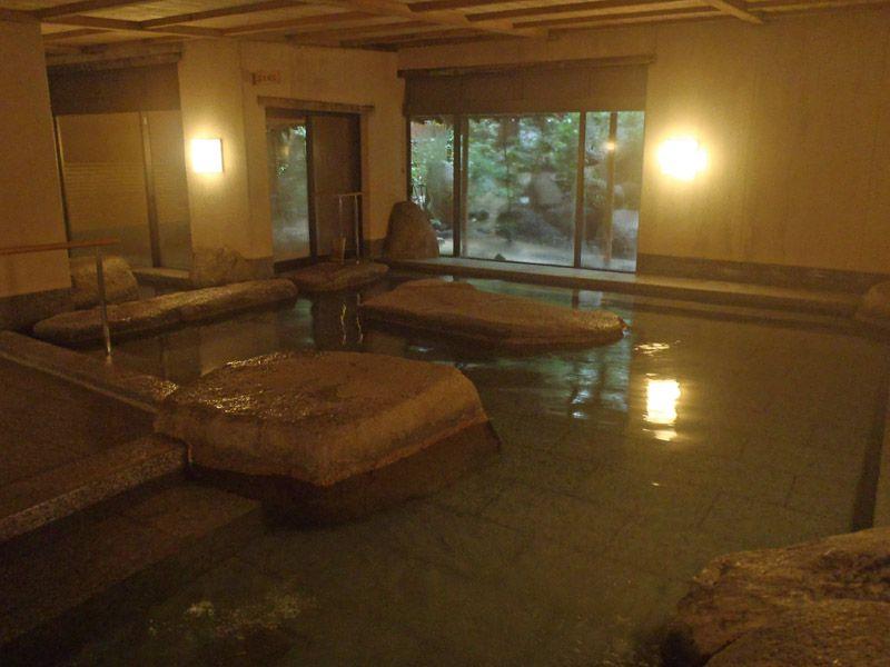 「大和屋本店」は道後温泉を代表する人気の温泉!