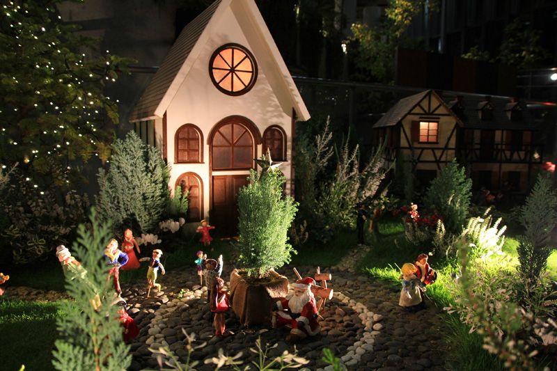 植物館内には数多のクリスマス空間が出現