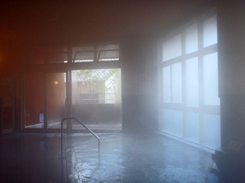 英国風の旅館で良質の湯が楽しめる「道後山の手ホテル」